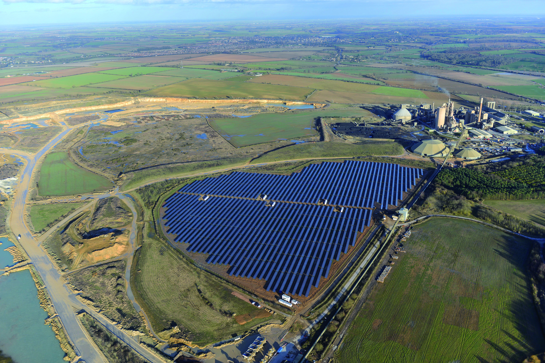Solar Farm Lark Energy faces Political Challenges but have Public Backing
