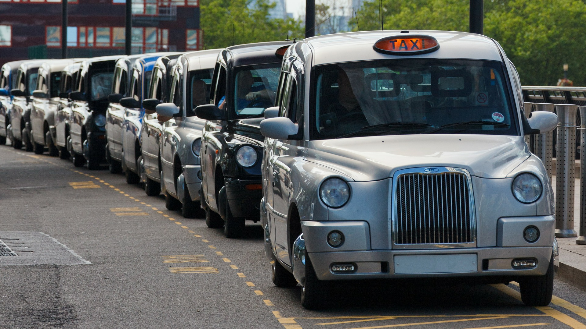 Taxi Drivers Can Help International Travellers Self-Isolate